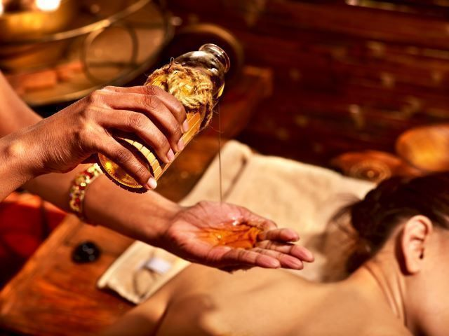 Ayurveda Massage with Essential Oils