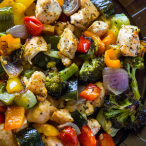 10 minutes roasted chicken breasts and rainbow veggies.